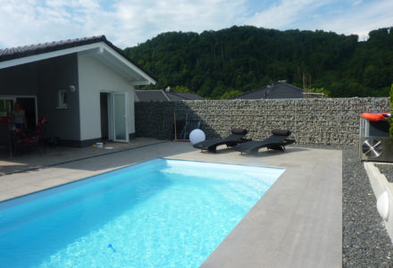 Schwimmbad+Außenanlage1
